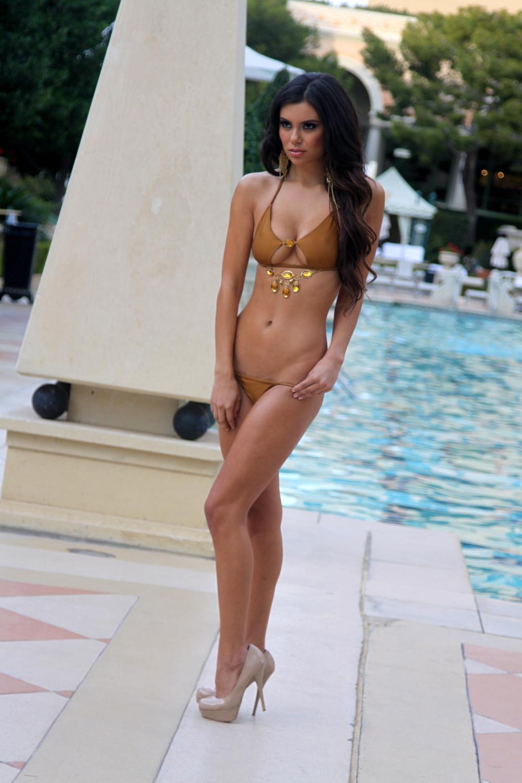 Girl no bikini top 2