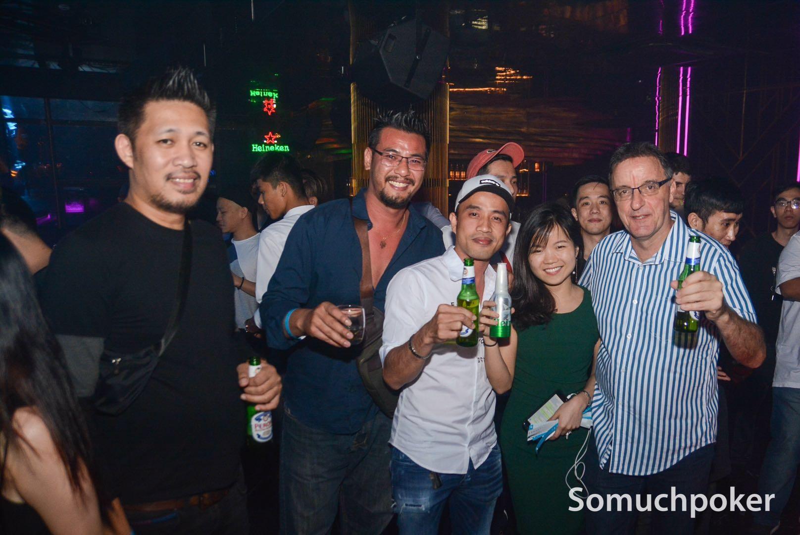 vietnam-party-1